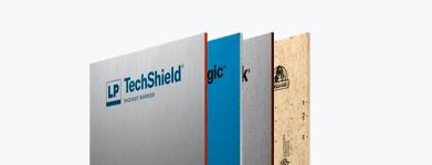Vue éclatée de quatre panneaux de produits LP avec LP TechShield à l'avant.