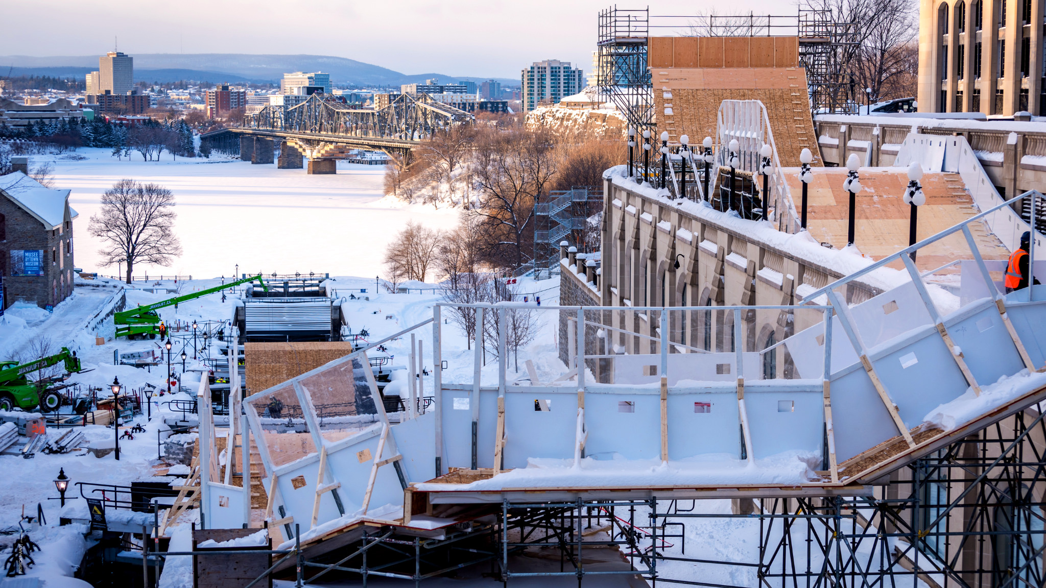 LP Teams Up With SFI to Donate OSB for Ottawa Red Bull Crashed Ice Event