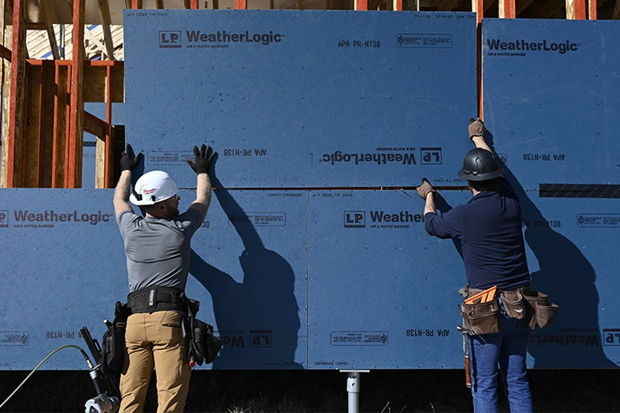 LP WeatherLogic helps seal out air and moisture.