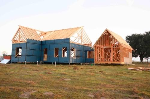 Modern Farmhouse with LP WeatherLogic and SolidStart LSL, LVL